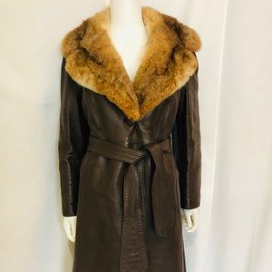 Vintage! Canadian leather w/fur collar, size 12